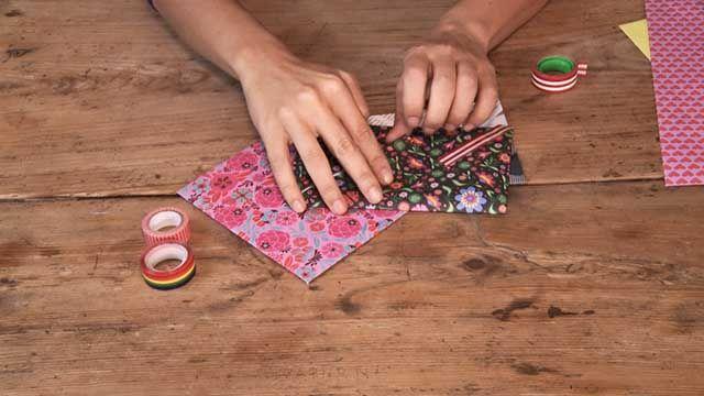 Os enseñamos cómo hacer un sobre en casa una manualidad con papel