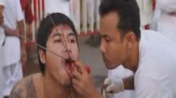 Los pose�dos del festival vegetariano inundan la isla tailandesa de Phuket