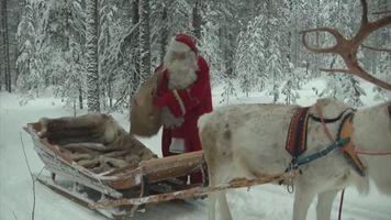 As� ley� Santa Claus las cartas de los ni�os