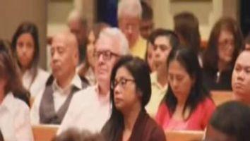Cat�licos de Houston celebran la Pascua