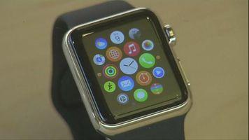 Multitudes y enormes filas para obtener el Apple Watch