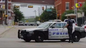 Abaten al presunto autor del tiroteo en Comisar�a de Dallas