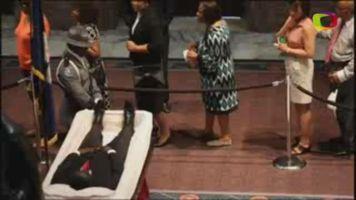 Multitudinario adi�s al pastor asesinado en Charleston