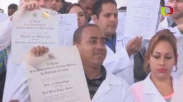 M�dicos cubanos piden en Bogot� visado para EE.UU. tras desertar en Venezuela