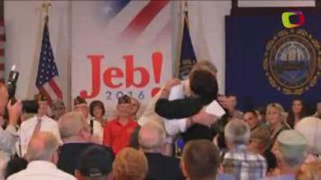 El aspirante Jeb Bush lanza una campa�a para atraer el voto hispano