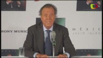 Julio Iglesias aplaude la relaci�n de Isabel Preysler con Mario Vargas Llosa