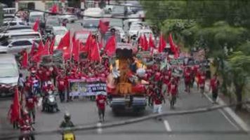 Filipinos piden justicia en el aniversario de la matanza