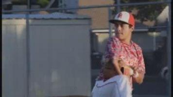 Estudiante latino discapacitado inspira a equipo juvenil de b�isbol
