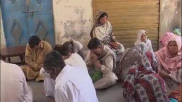 Cristianos de Lahore lloran a los adolescentes muertos en el atentado